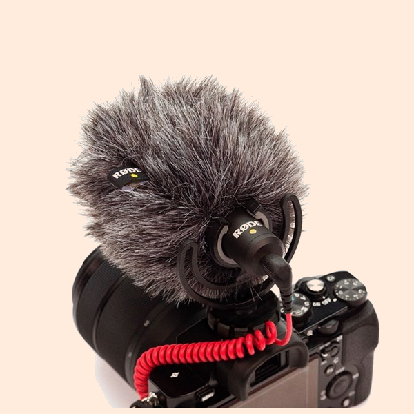 Rode VideoMicro Compact On-Camera Microphone on Rent